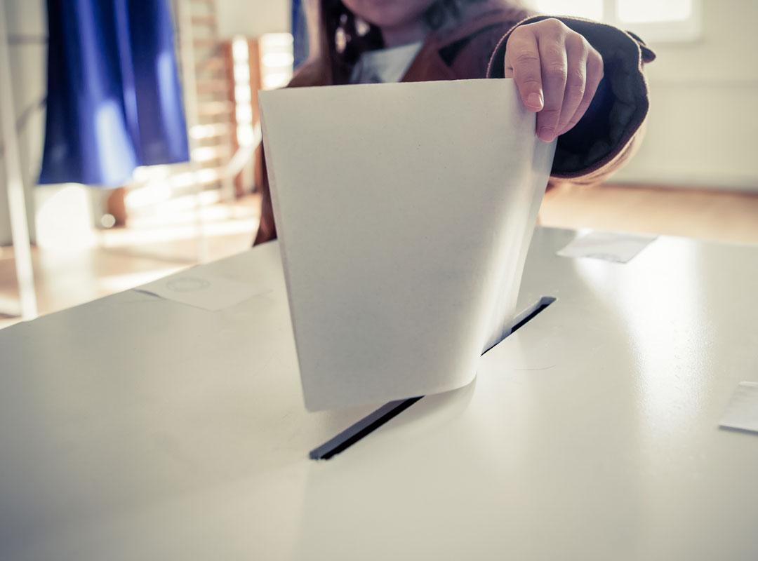 Zestienjarigen in het stemhokje? Niet goed voor die jongeren, niet goed voor de democratie